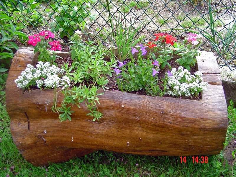 Idee progetto per riqualificazione urbana dei paesi montani for Aiuole in legno